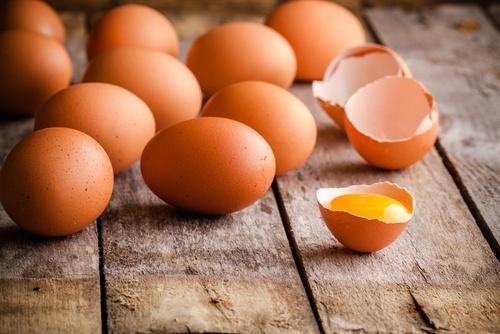 Uova, speck, gialletti …. una quasi frittata