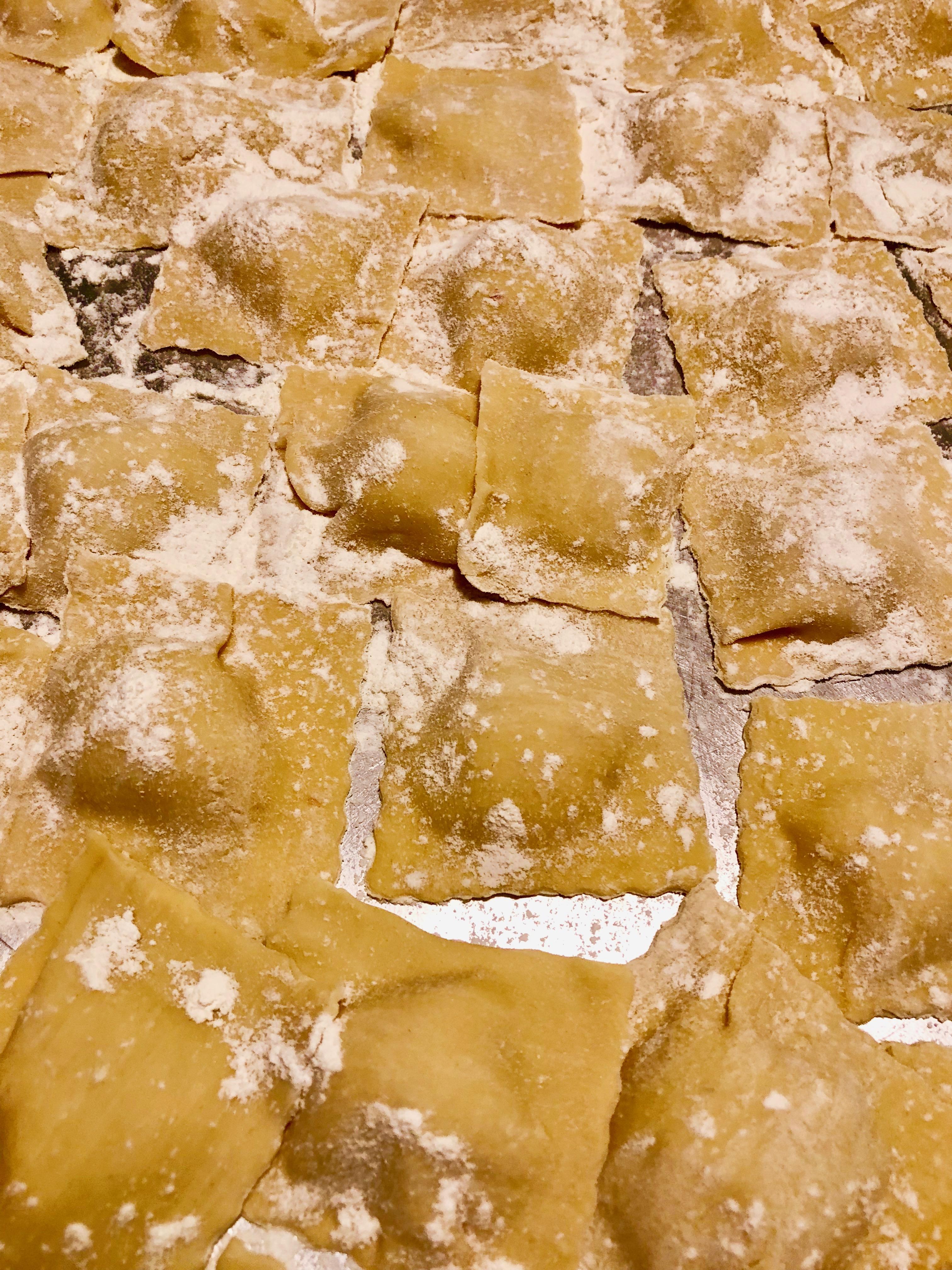 Ravioli ripieni di patate e scamorza affumicata