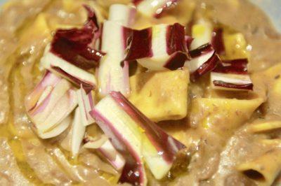 La pasta con i fagioli e il radicchio