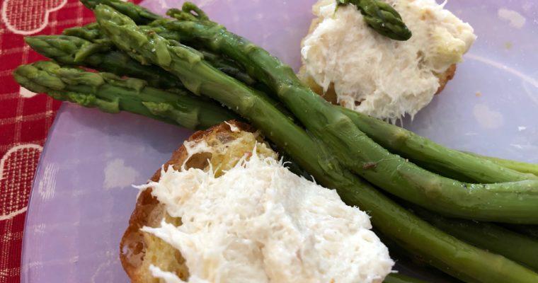 Baccalà mantecato e asparagi