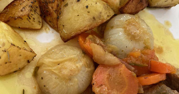 LE RICETTE AL TEMPO DEL #CORONAVIRUS Lo stracotto con le patate al forno #iorestoacasa