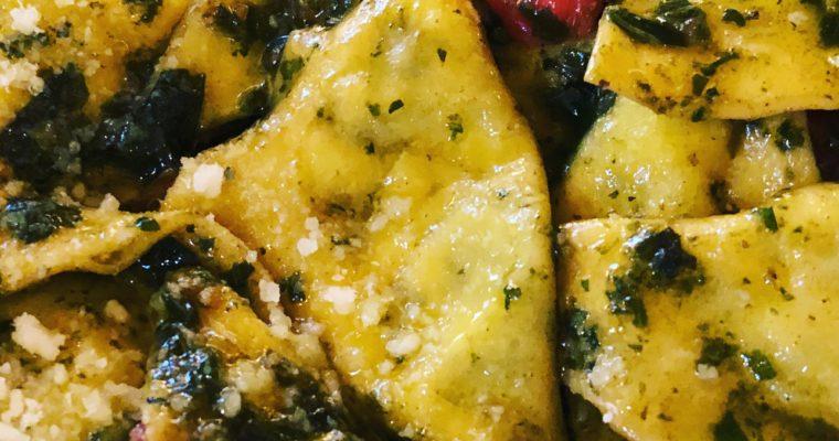 Gli straccetti di pasta fresca con il ripieno di ricotta