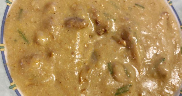 La zuppa con i funghi e le patate